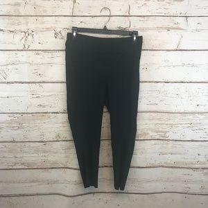 "Lululemon Size 8 Black Tight Leggings 20"" Yoga"